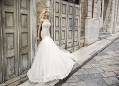 0e0dc69da25d Δούκισσα Νομικού   Sposa Moda στη Σύρο Bridal Dresses