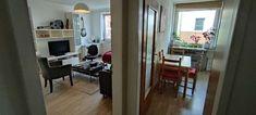 Schönes, modernes Wohnzimmer mit abgetrenntem Essbereich. #wggesuchtde #wggesucht #wgzimmer #wohnzimmer #esstisch #ideen #einrichtung #sofa #fenster #stuhl Sofa, Vanity, Mirror, Furniture, Home Decor, Dinner Table, Nice Asses, Windows, Ideas