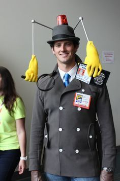 41 Awesome DIY Halloween Costume Ideas for Guys - This Inspector Gadget costume is amazing. This Inspector Gadget costume is amazing. This Inspector - Looks Halloween, Fairy Halloween Costumes, Cute Costumes, Carnival Costumes, Halloween Diy, Amazing Halloween Costumes, Halloween Costume Ideas For Guys, Halloween Costumes For Guys, Zombie Costumes