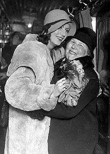 Greta Garbo com a mãe Anna Gustafsson.