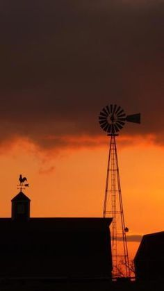 "Inspiration for my novel ""Promise"": farm windmill at sunset Country Farm, Country Life, Farm Windmill, Old Windmills, Blowin' In The Wind, Country Scenes, Thing 1, Old Barns, Covered Bridges"
