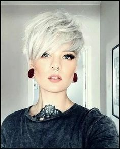 Short Blonde Bobs, Short Grey Hair, Short Hair With Layers, Brown Blonde Hair, Short Hair Cuts For Women, Short Hairstyles For Women, Short Hair Styles, Long Hair, Pixie Hairstyles