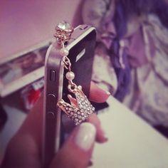 love cute iphone accessories <3 http://www.populartoysandgifts.com