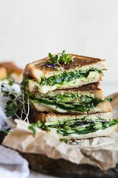 Green goddess grilled cheese sandwich. You're gonna love the herby spread on this hearty grilled cheese. #grilledcheese #greengoddess Grill Sandwich, Sandwich Recipes, Veggie Sandwich, Picnic Recipes, Picnic Foods, Gourmet Recipes, Yummy Recipes, Vegetarian Recipes, Cooking Recipes