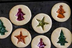 Christmas Stained Glass Sugar Cookies - Homegrown in the Valley Easy Christmas Cookie Recipes, Christmas Deserts, Christmas Goodies, Holiday Cookies, Christmas Baking, Christmas Holidays, Holiday Meals, Christmas Projects, Christmas 2019
