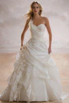 Col en coeur applique plissé robe de mariée originale broderies satin une bretelle amovible [#ROBE201332] - robedumariage.com