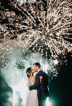 45 Incredible Night Wedding Photos That Are Must See ? night wedding photos kiss under fireworks janelle elise photo Night Wedding Photos, Wedding Night, Wedding Pictures, Wedding Bells, Wedding Bride, Night Photos, Night Beach Weddings, Night Wedding Photography, Fireworks Photography