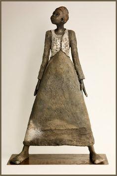 Joelle Gervais coquette Sculptures Céramiques, Art Sculpture, Ceramic Figures, Ceramic Art, Wire Art, Famous Artists, Clay Art, African Art, Art Images