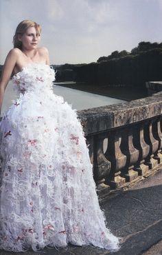 Kirsten Dunst shot by Annie Leibovitz for Vogue
