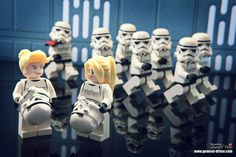 Korean photographer Storm had fun staging the LEGO Star Wars figurines in situations rather unusual. Lego Star Wars, Star Wars Stormtrooper, Film Star Wars, Star Wars Art, Star Destroyer, Obi Wan, Legos, Star Wars Figure, Lego Humor