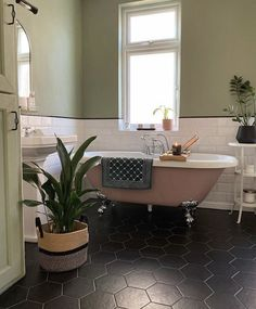 transformed her bathroom using 'Dusky Blush' on the bath itself and 'Green with Envy' on the walls❤️ Guest Bathrooms, Upstairs Bathrooms, Bathroom Renos, Master Bathroom, Small Bathroom, Bathroom Ideas, Bathroom Organization, Blush Bathroom, Pink Bathrooms