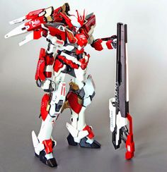 1/100 Red Frame Astray + Freedom Gundam + Other Kitbash - Custom Build     Modeled by  wing120412
