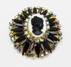 Vintage Brooch JULIANA JEWELRY CAMEO, with bale, by Delizza and Elster, 1963