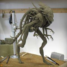 Alien Queen Hybrid, Riyahd Cassiem on ArtStation at… Creepy Monster, Monster Art, Alien Concept, Concept Art, Hr Giger Alien, Giger Art, Alien Queen, Alien Design, Alien Art