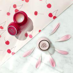 Din favorit? Originalet eller körsbär? Beställ din favorit på beautystore.oriflame.se/HELENA