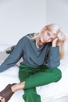 Model Larissa Hofmann On The Perfect Blond | Into The Gloss