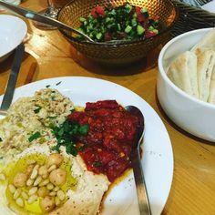 Love Mediterranean food! ハモスピタピタハモスピタ  #love #mediterraneanfood #hamos #地中海料理 #ハモス #vigan #vegitarian #ベジタリアン #tokyorestaurant #tokyogourmet #tokyo #東京レストラン #gocciso #gourmet #simplicity #
