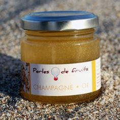 Gelée de Champagne et Or Champagne Jelly, Candle Jars, Or, Desserts, Kitchens, Tailgate Desserts, Deserts, Postres, Dessert