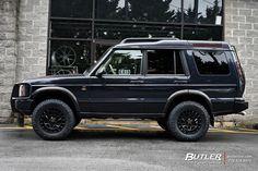 Land Rover Discovery with Black Rhino York Wheels exclusively from Butler Tires and Wheels in Atlanta, GA - Image Number 11439 Land Rover Discovery 2016, Land Rover Models, Best Suv, Range Rover Classic, Lifted Ford Trucks, Jeep Wrangler Unlimited, Pontiac Gto, Car Ford, Bugatti Veyron