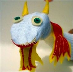 Sock Puppets have been a staple of family fun for many generations. Here& an easy Sock Puppet you can make with your kids. The features of these puppets a Puppet Crafts, Sock Crafts, Cute Crafts, Sewing Crafts, Fun Arts And Crafts, Arts And Crafts Projects, Fun Projects, Crafts For Kids, Sock Puppets