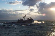 USS Philippine Sea (CG-58) underway in heavy seas in the Atlantic ocean.