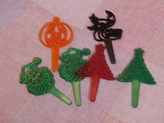 Vintage Bakery Crafts Cupcake Picks Plastic Cake Toppers, Halloween Witch, Jack o Lantern, Christmas Tree, Santa Head Lot