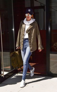 If You Think Gigi Hadid's Outfit Is Simple, Just Wait Until You See It From the…