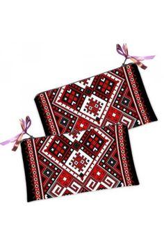 Цю червону косметичку-гаманець в традиційному українському стилі з геометричним принтом Ви можете купити в нашому магазині. Playing Cards, Bags, Handbags, Playing Card Games, Taschen, Purse, Cards, Purses, Game Cards