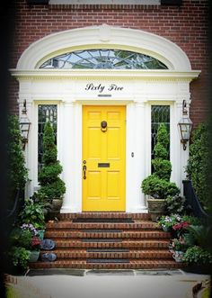 I want a door like this someday!!!!! LOVE IT!!