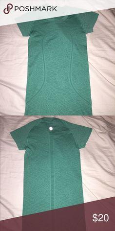 Lulu Lemon Active Shirt Barely worn. Purchased in December. lululemon athletica Tops Tees - Short Sleeve
