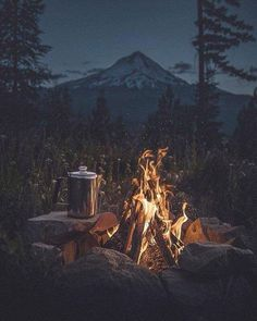 Es ist Kaffeezeit The Effective Pictures We Offer You About Camping Photography landscape A quality picture can tell you many things. Beach Camping, Camping And Hiking, Camping Life, Camping Ideas, Tent Camping, Camping Hacks, Outdoor Camping, Outdoor Travel, Women Camping