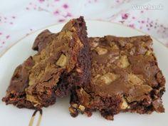 Čokoládové brownies (videorecept) - Recept Desserts, Food, Basket, Tailgate Desserts, Deserts, Essen, Postres, Meals, Dessert
