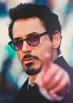 Great range of cheap designer sunglasses at the lowest prices. Ray-Ban, Oakley Gucci and more brands available at the lowest prices from Discounted Sunglasses. Ricky Martin, James Dean, Shakira, Rober Downey Jr, Robert Jr, Marvel Actors, Marvel Avengers, Iron Man Tony Stark, Downey Junior