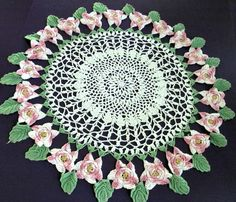VINTAGE HAND MADE CROCHET TABLE COVER DOILY PINK 22''  1950'S
