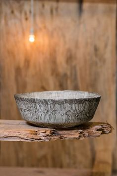 Dutch designer Floris Wubben's Erosion collection of ceramics features striped textures made using a rotating flame device, also created by the designer. Bowl Designs, Woodworking Skills, Modern Ceramics, Ceramic Artists, Clay Art, Kitchen And Bath, Terracotta, Home Furnishings, Color