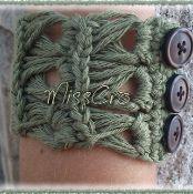 Crochet bracelet - pattern - via @Craftsy