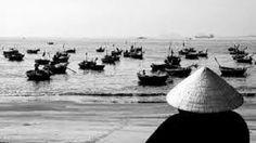 Người đàn bà hàng chài là hiện thân của tình yêu thương, đức hi sinh, sự nhẫn nhục của người phụ nữ. Qua người đàn bà hàng chài, ta thấy thấp thoáng bóng dáng của những người phụ nữ Việt Nam nhân hậu, bao dung, bao đời nay vẫn là niềm tự hào của dân tộc.