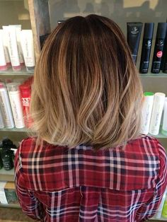 23.Blonde Ombre Short Hair