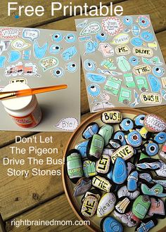 Pigeon Story Stones with FREE Printable - Right Brained Mom Creative Learning & Play Library Activities, Kindergarten Activities, Teach Preschool, Preschool Music, Free Stories, Stories For Kids, Rock Crafts, Fun Crafts, Story Sack