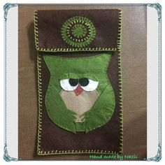 Felt phone case, green owl...