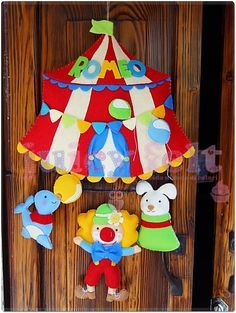 Juicy felt: Tema circo per Romeo Felt Dolls, Paper Dolls, Felt Wreath, Baby Mobile, Name Banners, Foam Crafts, Nursery Neutral, Handmade Felt, 4 Kids