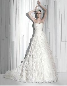 Resultados de la Búsqueda de imágenes de Google de http://directoriofemenino.com/wp-content/uploads/2011/11/lindos-vestidos-de-novia-2.jpg