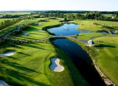 Piękno natury, doskonałe wyposażenie i profesjonalizm obsługi oraz dbałość o wygodę gości tworzą niepowtarzalną atmosferę klubu.  http://ekskluzywne.net/artykul/sierra-golf-club