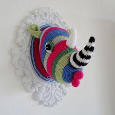 A la Sascha: Kleurig Wild!-Crochet rhino inspiration