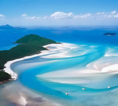 Whitsunday Islands, Queensland, Australia -- Whitehaven Beach is a stretch along Whitsunday Island. The island is accessible by boat from the mainland tourist ports of Airlie Beach and Shute Harbour, as well as Hamilton Island. Airlie Beach, Hidden Beach, Great Barrier Reef, Beautiful Islands, Beautiful Beaches, Beautiful Sites, Whitehaven Beach Australia, Queensland Australia, Australia 2017