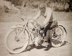 Motorcycle and Motorcycle: 1914 POPE BOARD TRACK RACER