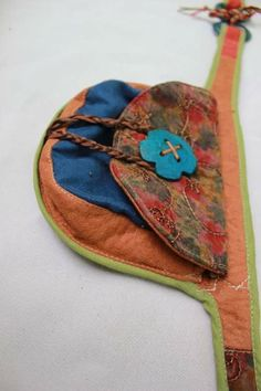 Pochette Diy, Estilo Hippie, Craft Bags, Tote Backpack, Hip Bag, Denim Bag, Girls Bags, Quilted Bag, Cute Bags