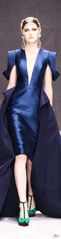 Fall 2016 Haute Couture - Sebastian Gunawan Haute Couture Style, Couture Mode, Couture Fashion, High End Fashion, Blue Fashion, Autumn Fashion, Fashion Looks, Sebastian Gunawan, Marine Uniform