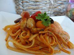 Czary w kuchni- prosto, smacznie, spektakularnie.: Pomysł na domowe spaghetti z owocami morza podawan... Spaghetti, Seafood, Ethnic Recipes, Sea Food, Noodle, Seafood Dishes