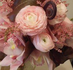 ranunclus bridal bouquet | Antique ranunculus wedding bouquets San Francisco | Wedding Flowers